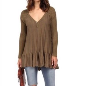 NWT Free People Ribs And ruffles Hi-Lo sweater